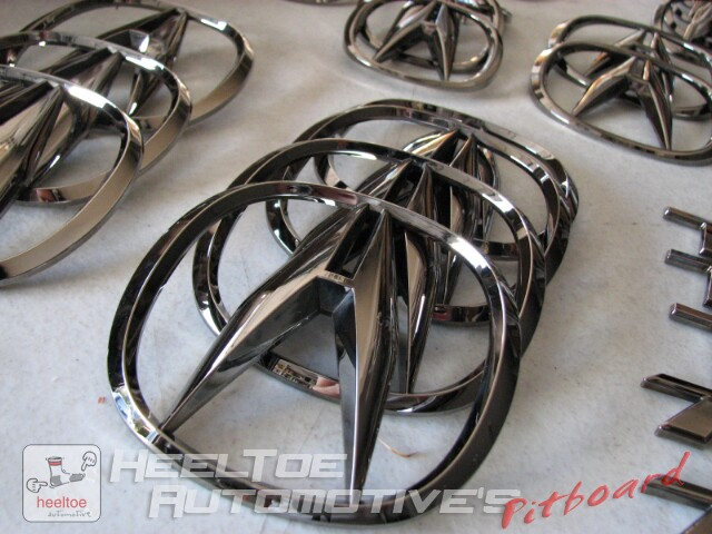 Black Chrome HeelToeAutocoms Pit Board - Acura emblem black